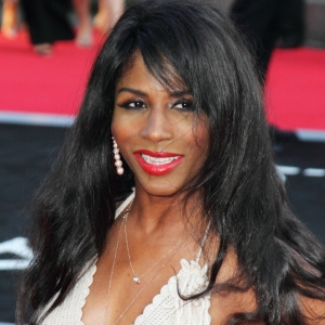Sinitta Wins The Ivy Quiz Night