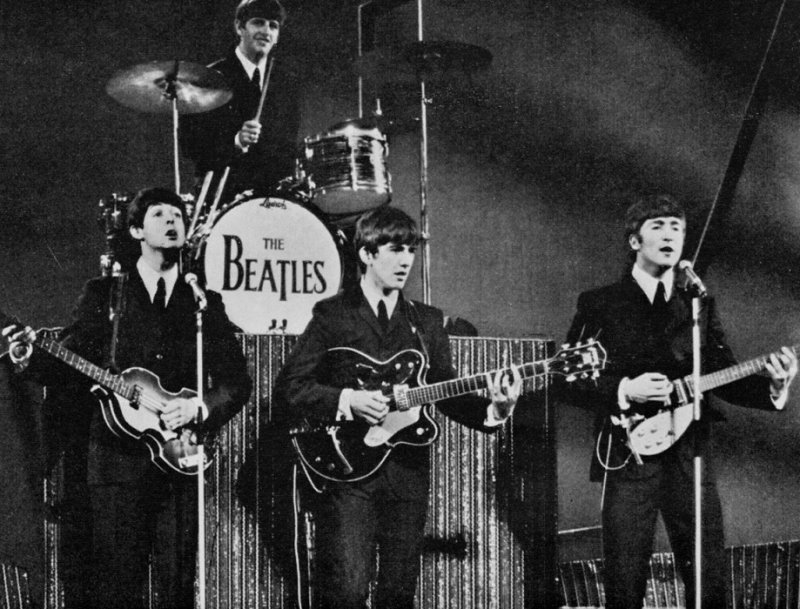 The Beatles on Sunday-night-at-the-london-palladium-thd