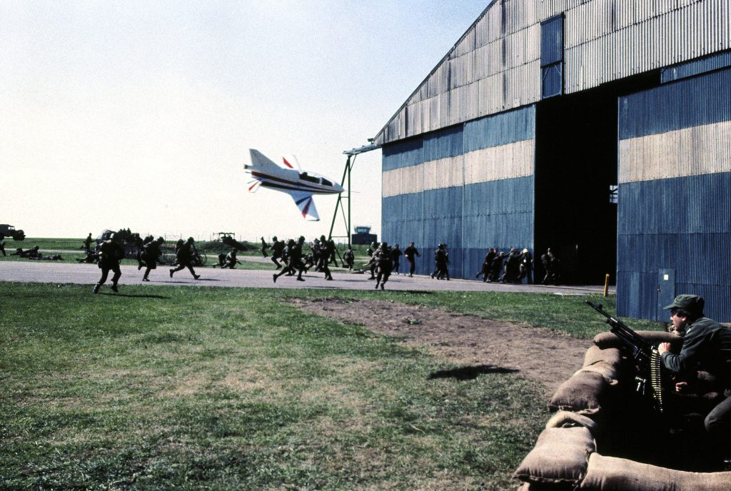 PLANE APPROACHES HANGER JAMES BOND: OCTOPUSSY (1983)